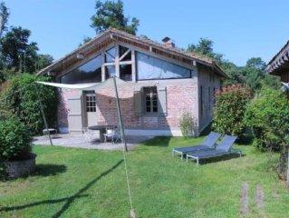 Maison-loft avec poutres et briquettes anciennes, proche forêt et pistes cyclabl