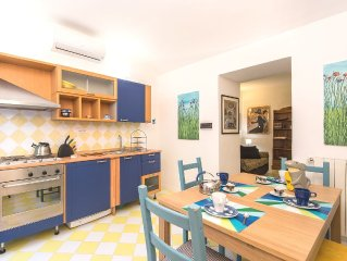 Central, beautiful and quiet apartment with garden for 4/8 people