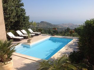 Outstanding Sea & Mountain Views by day & night. Private Pool, jacuzzi