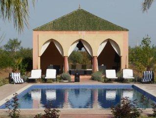Le luxe abordable : sublime Villa KHINA LA MENARA !