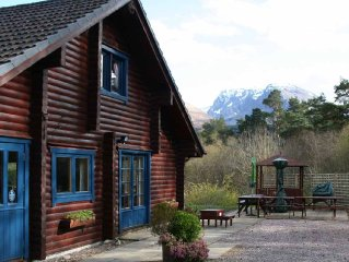 A Large Norwegian Log House, Sleeps 10, with Spectacular Views of Ben Nevis