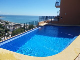 Villa With Private Infinity Pool And Spectacular Sea, Mountain And Town Views