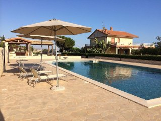 Villa with 18-meter Pool, Childrens' Pool, Sea View, Large Garden, Free WiFi