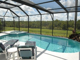 5 Star Reviews 5 Bed Villa with ultra-private s/w facing pool 5 Min from Disney