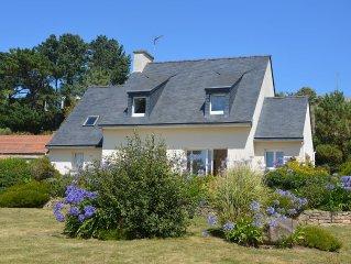 Grande maison, acces direct a la plage, vue grandiose et jardin de 2000m2