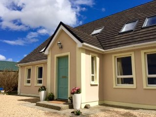Luxury Irish coastal cottage near DunDonegal. June and September from L395 a we