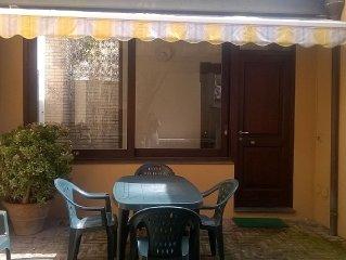 La dimora di Anna - graziosa casa indipendente con cortile interno a Teulada