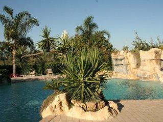 Splendida villa circondata da un ampio e curato giardino