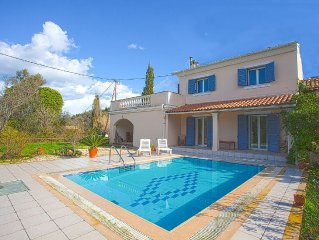 Two Bedroom Villa Close To The Coast With Private Pool