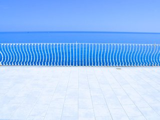 Villa Orizzonte  -  Luxury property  -  180° sea view, private access to the sea