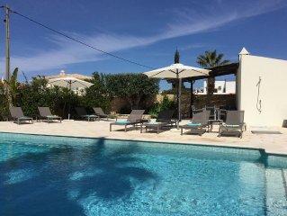 Stunning luxury villa close to restaurants, shops and beautiful beaches.