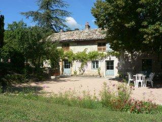 Maison Vigneronne 18 pers., 3 hectares prives, piscine chauffee (suivant saison)