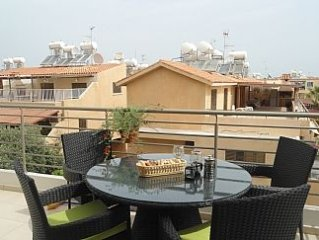 Luxury 2nd Floor Apartment With Communal Pool, Playground,