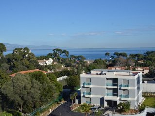 Luxury 4 bedroom apartment with pool in Cote d'Azur