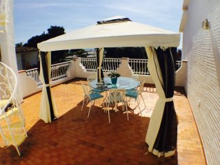 Villa Nicanda , 200 mt dal mare , Pula Loc. Porto Columbu ,All Inclusive!!