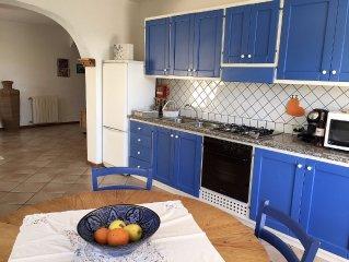 San Pantaleo, grande appartamento in zona relax molto curato