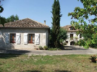 Gite La Grange de Cezac. Converted Barn With Private Pool and Full size Snooker