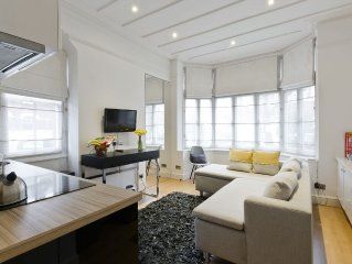 Beautiful One bedroom contemporary Interior Designed  Flat just off Kew Green,