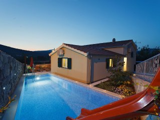 Hidden villa with HEATED POOL 2 km from sea in pure nature close to old city