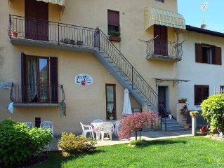 Confortevole appartamento con giardino privato vicino al lago d'Orta e Milano