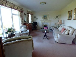 Charming Single Level Cottage With Stunning Unrestricted Views