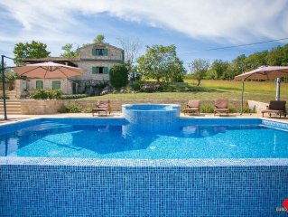 Istrian stone house with pool, large garden and b
