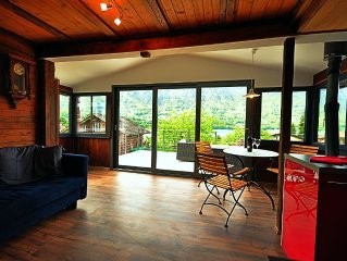 Spectacular Lake Views.   Fully equipped for your holiday needs. Sleeps 6