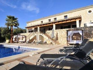 Bonita Villa con piscina privada y barbacoa. Wi-Fi. Playas a 15 kms