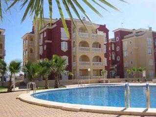 Premium 1st Floor 2 Bed Apt Overlooking Pool & Evening Sun