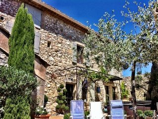 Traditional 18th Century Hilltop Stone House beside Uzes with exceptional views