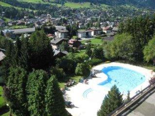 Appartement 2/4 personnes, ski aux pieds avec piscines toute l'année.