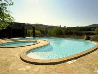 Due ville e un villino in proprietà di 60 ha, piscina, WiFi, A/C, fishing, bikes