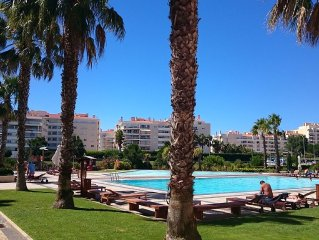 Luxury apartment with pools and gym, SPA WIFI Near Beach