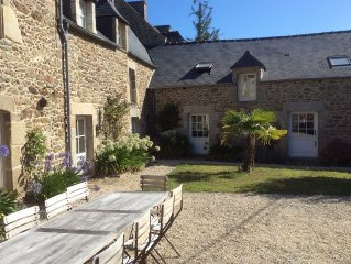 Grande maison de caractere/17th CENTURY FRENCH FARMHOUSE IN BRITTANY, FRANCE