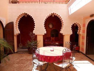 Marrakech Medina: riad dar sabbah dans le réputé quartier Mouassine (médina)