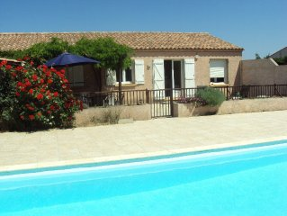 Villa with private pool sleeps 8, terrace and BBQ, between Carcassonne & the Med