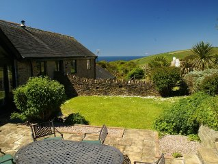 Large Barn With Sea Views From Garden. 10 Minutes to the Beach