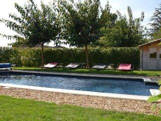 Maison avec piscine, terrasse et jardin avec vue panoramique sur le Luberon