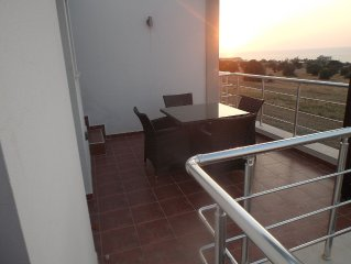 2 Bedroom Penthouse Apartment with WIFI and unspo