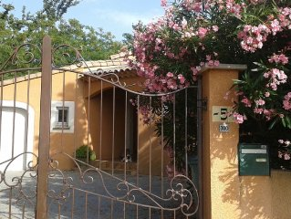 family home 4 bedrooms -swimming pool-gym-sauna at the center of an 18 hole gol