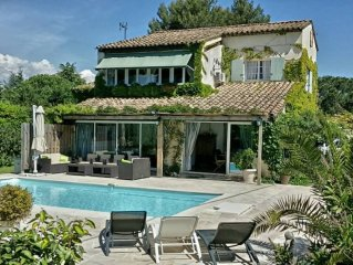 CANNES  VILLA  300 M2, climatisee 10 PERSONNES PISCINE CHAUFFEE , JACUZZI