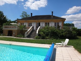 Villa With solar heated Pool And Wonderful Views Over Dordogne valley