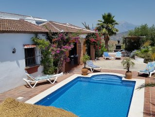 Private stylish villa, Wifi 9x4 pool, not overlooked, near Comares & Malaga