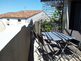 5 minutes from the quiet beach in a modern buildi