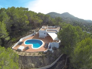 Villa on top of hill, beautiful sea view, private pool, 6 bedrooms+5 bathrooms.