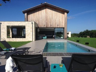 Spacieuse villa d' archi 5*, concept indoor/outdoor, piscine chauffee