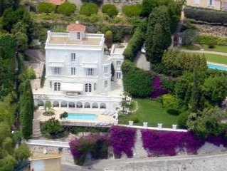 6  Bedroom villa overlooking beach of Villefranche. Very central.