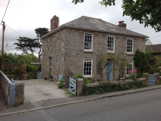 1840's Character Cottage in the Village of Lelant Minutes from Porthkidney Beach