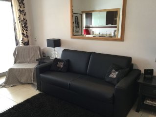A luxury Studio Apartment, front line location, minutes from the beach.