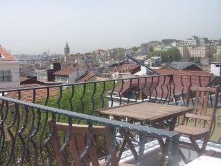 Istanbul: Appartement refait a neuf, magnifique vue sur tour de Galata      Ist